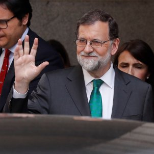 Rajoy won't resign so motion of no-confidence will go ahead