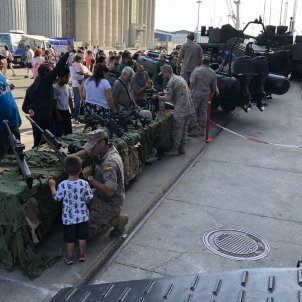 """Spanish military """"indoctrinating"""" children with their weapons in Tarragona"""