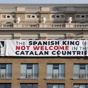 Barcelona banner against Spanish king also gets hung in international media
