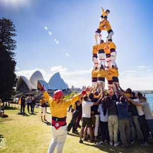 Catalan support for 'castells' human towers team in Australia