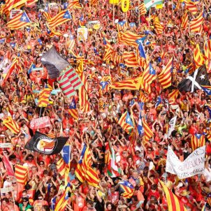 Video: Aerial views of million-strong Catalan independence march in Barcelona