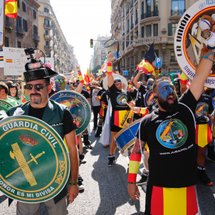 Controversial Spanish police march falls flat