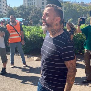 Nazi tattoo on display at Spanish police rally in Barcelona