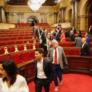 Debate suspended after a tempestuous day in the Catalan Parliament