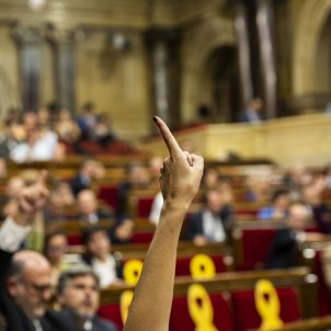 Catalan Parliament to support president Torra against Electoral Commission