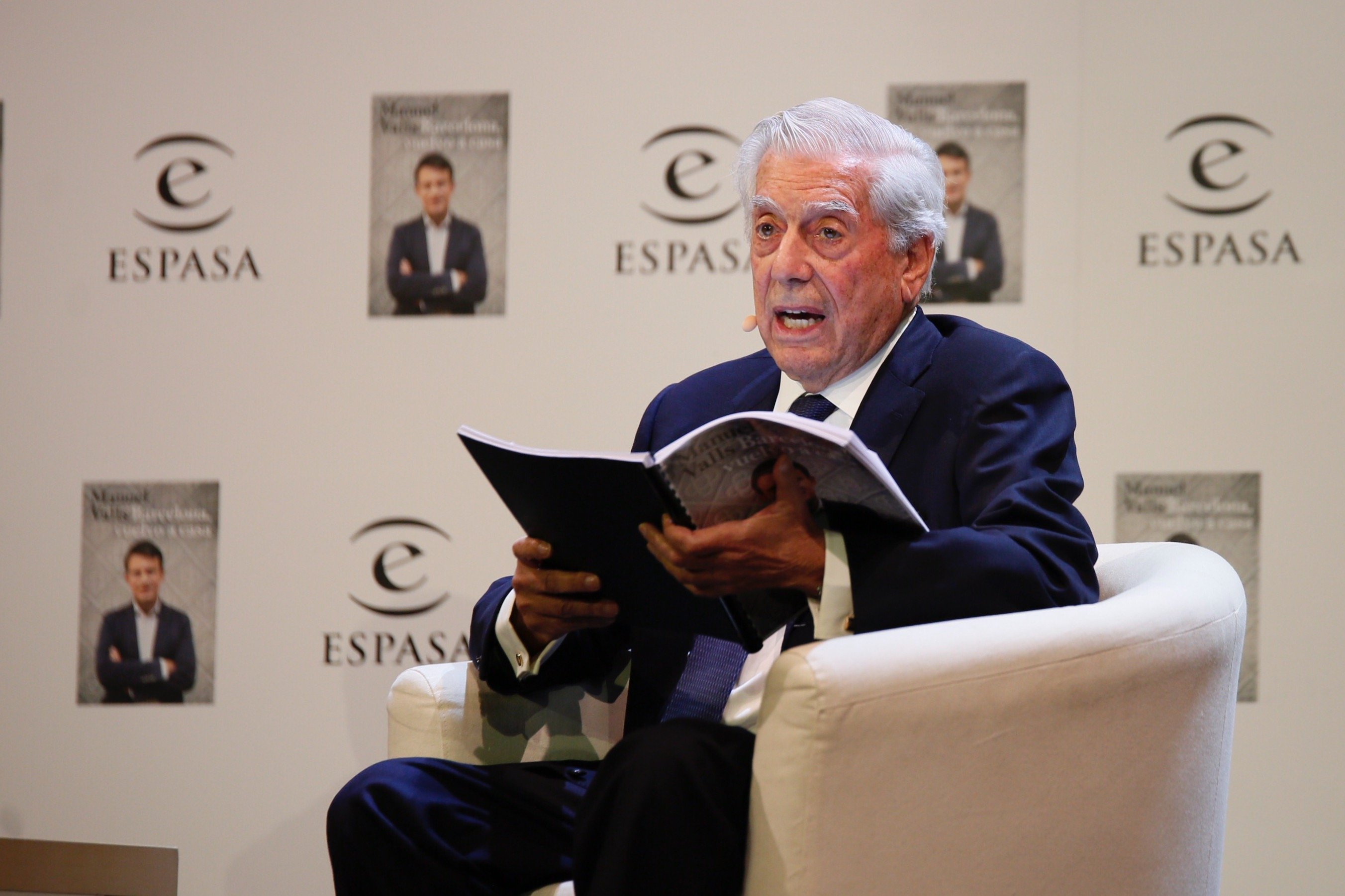 "Vargas Llosa leaves PEN International over ""pro-independence attempted coup d'état"""