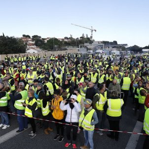 Over 240,000 protesters blockade French highways to oppose fuel tax rise