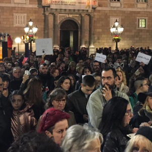 Thousands protest in Barcelona for Sota the dog, shot dead by a policeman