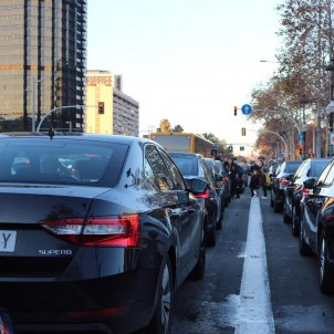 Uber and Cabify threaten to leave Barcelona over conflict with taxis