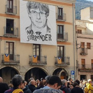Carles Puigdemont's village Amer calls for his restoration as president
