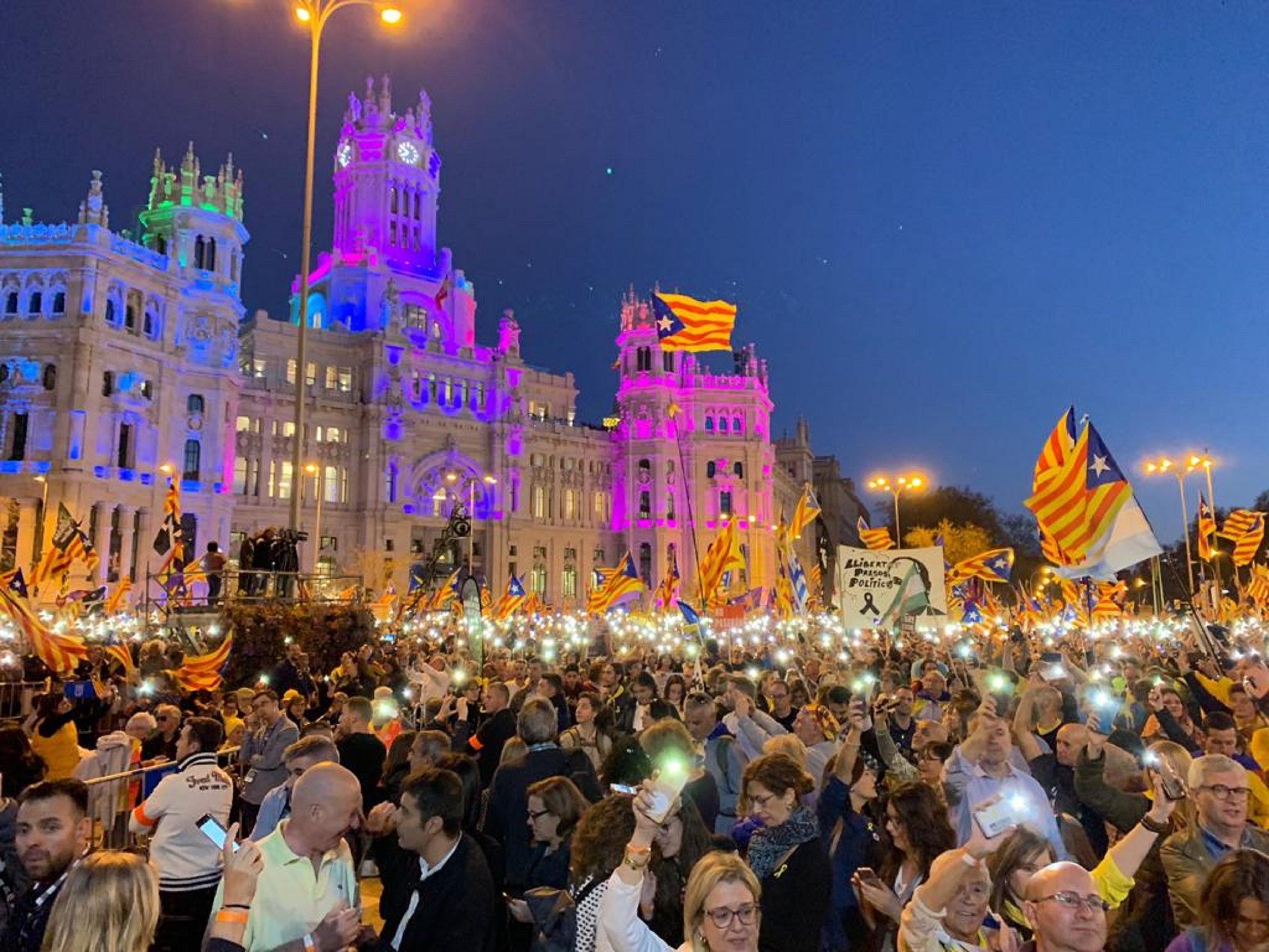VIDEO: Classic Catalan song 'L'Estaca', grand finale of Madrid independence march