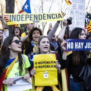 """The first time in Madrid"": world media report Catalan march in Spain's capital"