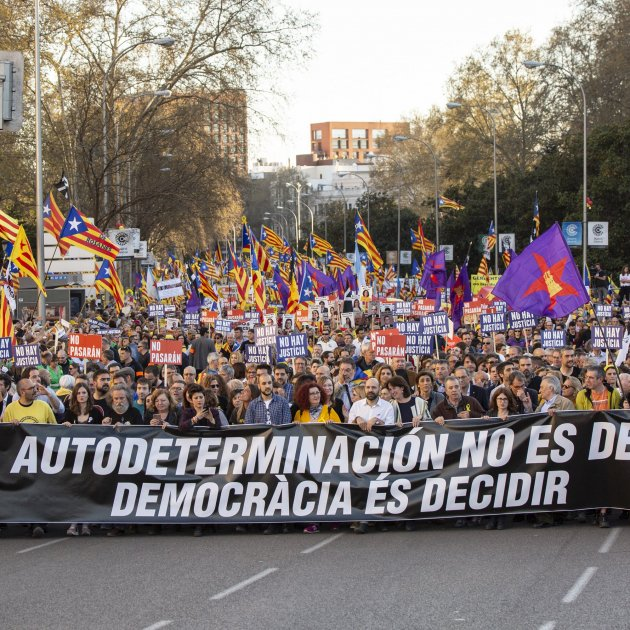 Madrid tastes the spirit of the massive Catalan protests that the trial is judging