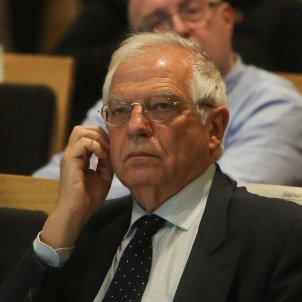 Spanish foreign minister Borrell walks out of interview when asked about Catalonia