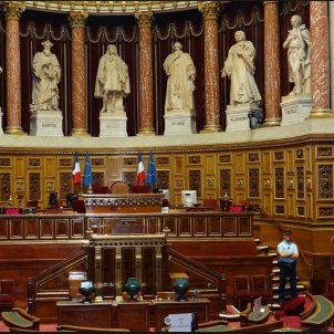 41 French senators call for France and the EU to intervene in the Catalan conflict