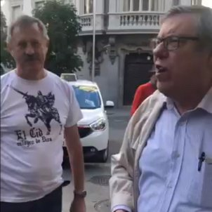 Tirade of abuse against Catalan political party members on Madrid street