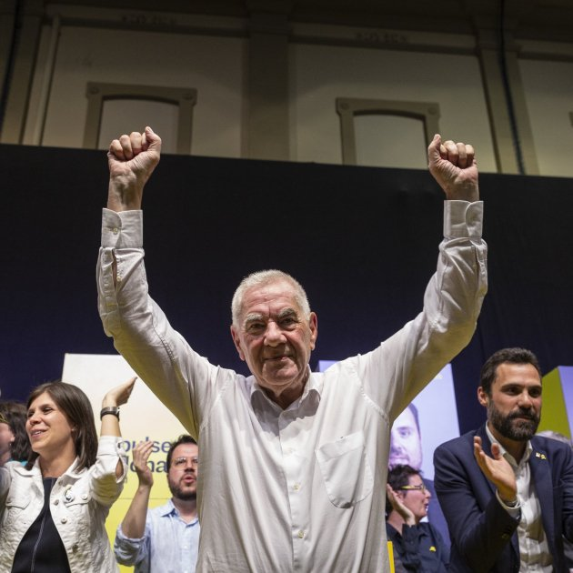 Ernest Maragall noses ahead of Ada Colau to win tight Barcelona mayoral race