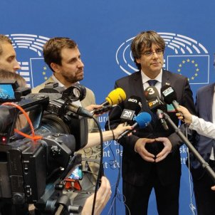 Puigdemont and Comín enter the European Parliament
