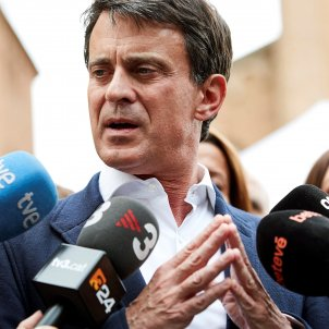 "Manuel Valls ""unable to hide"" his concern about Cs negotiating with Vox"
