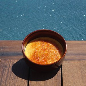 Crema catalana, crème brûlée's Catalan cousin