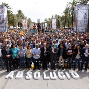 'Acquittal' demand unites Catalan independence and left-wing Comuns