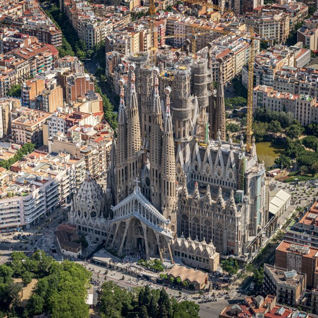 Sagrada Família's main towers now 100 metres tall