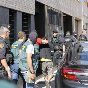 "Catalans arrested in ""terrorism"" raid, yet terrorism protocol is not being applied"