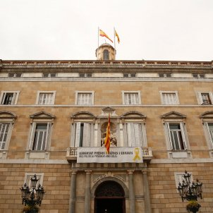 "Spanish Electoral Commission orders ""constant vigilance"" against ""partisan symbols"""
