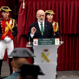 Government officials and Catalan police officers walk out of Civil Guard event offended