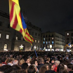 Catalans fill their town squares to reject the Supreme Court verdicts
