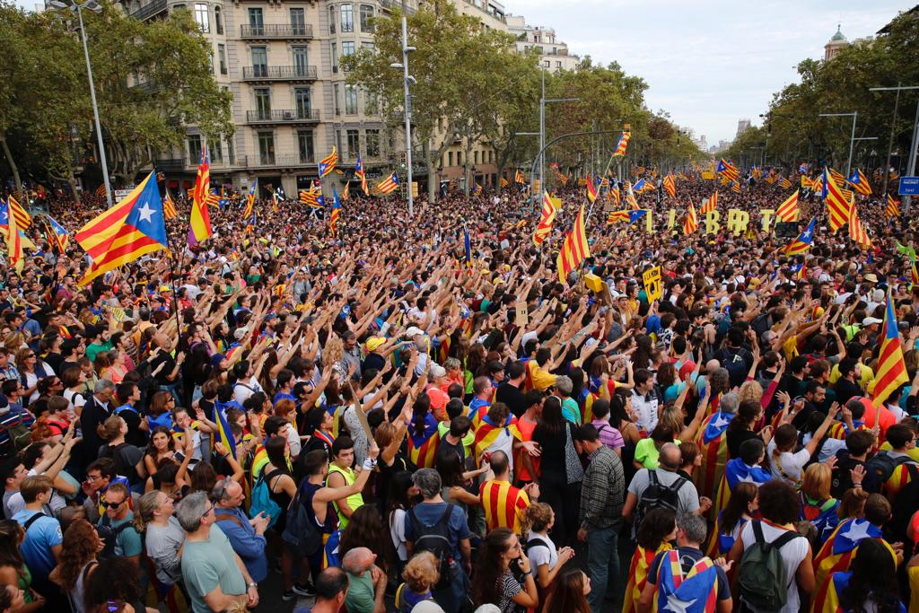 Over half a million people protest peacefully in Barcelona