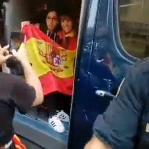 VIDEO | Alternative uses for Spanish police vans: mobile photobooths