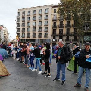 Public support for students' protest camp in Barcelona's plaça Universitat