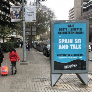 Barcelona city council takes down Tsunami Democràtic posters