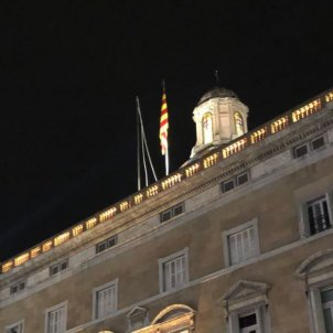 Spanish flag disappears from Catalan government palace in Barcelona
