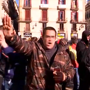 VIDEO | Vox supporters attack and abuse TV crew at Barcelona protest