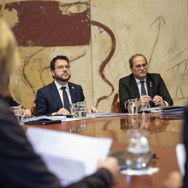 Catalan government names its dialogue team and is criticised by the Socialists