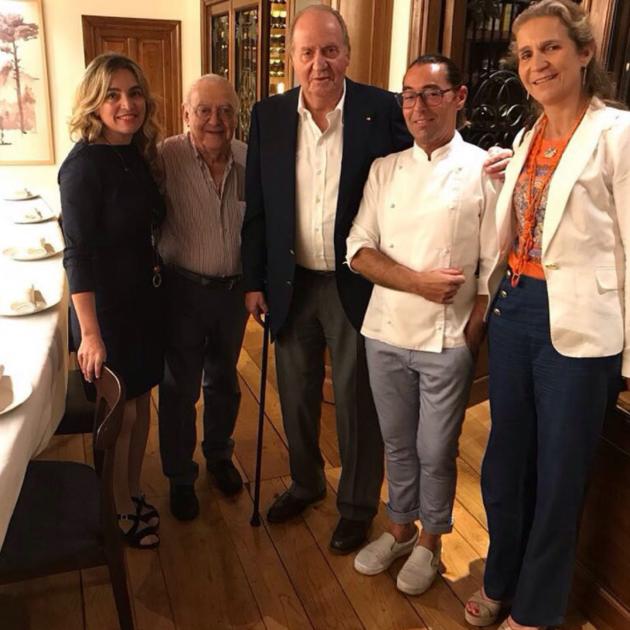 Rei Joan Carles i infanta Elena  restaurant