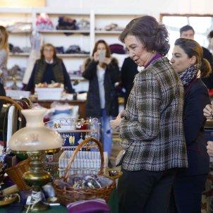 Reina Sofia mercat solidari 3 EFE