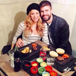 Shakira i Pique hamburgueseria  instagram