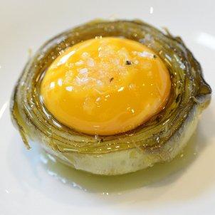 Carxofa amb rovell d'ou - Plats catalans
