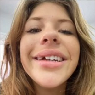 Anita Matamoros sense dent instagram
