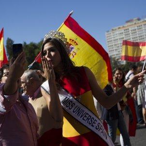 Sofia del Prado petó bandera espanyola GTRES