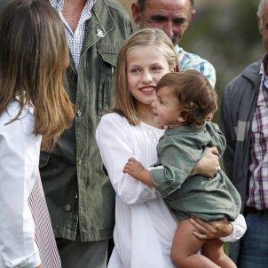 elionor bebe nado en braços GTRES