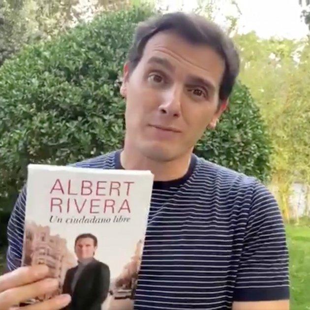 Albert Rivera venent llibre Twitter