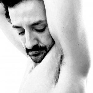 Raül Balam mira tatuatge @raul balam ruscalleda