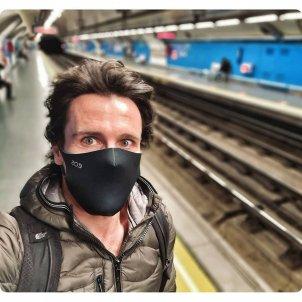 Octavi Pujades mascarilla en el metro @octavipujades