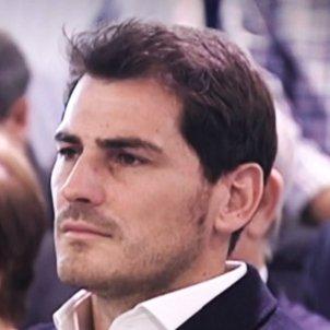 Iker Casillas serio T5