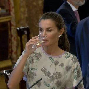 letizia bebe alcohol YT