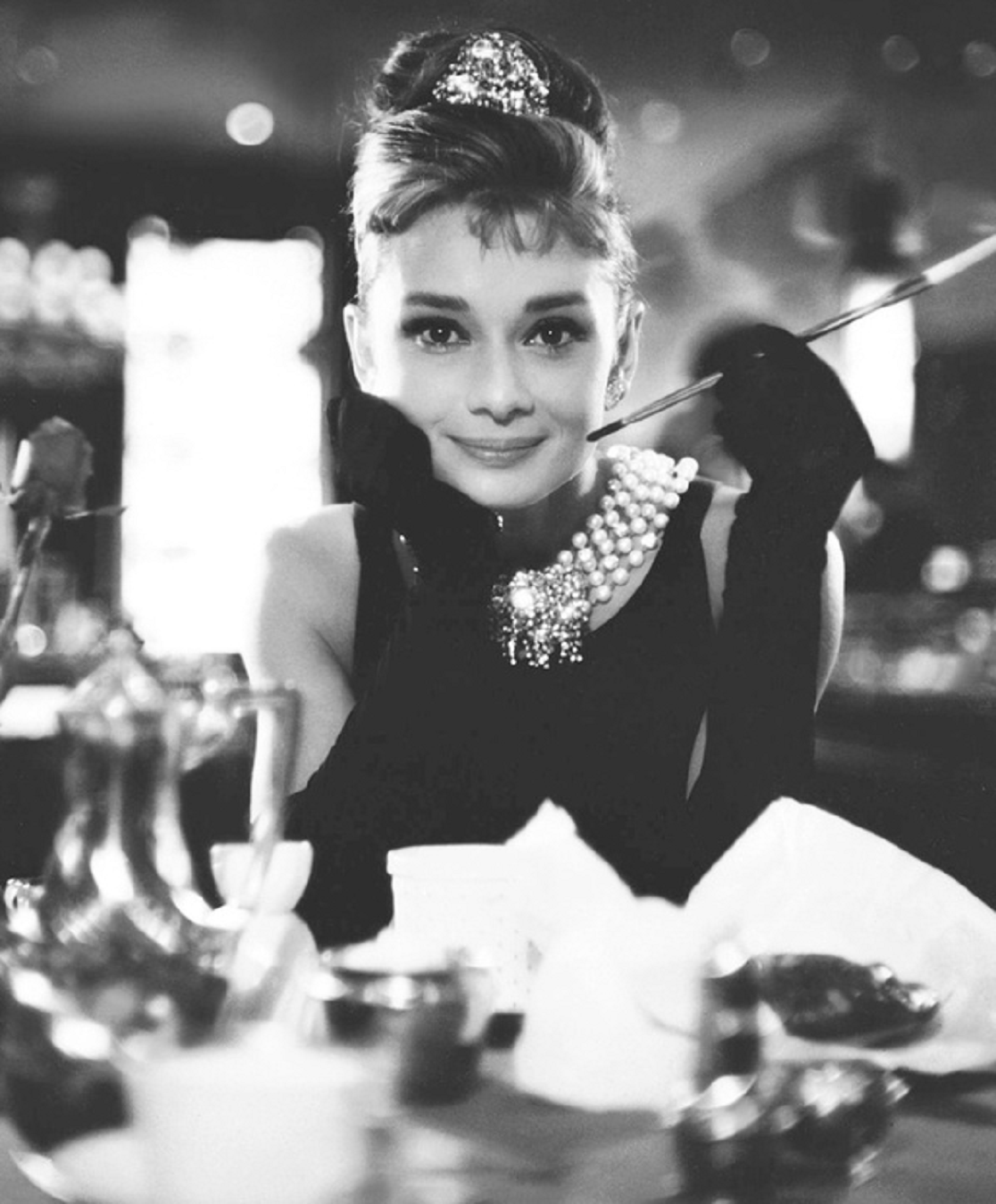 10 lecciones de estilo que nos ense audrey hepburn. Black Bedroom Furniture Sets. Home Design Ideas